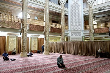 All Mosques in Iran Open for Daily Prayers